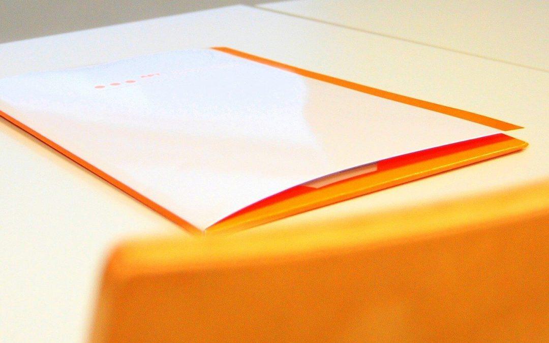 Werben Sie auf einer Plexiglas-Platte
